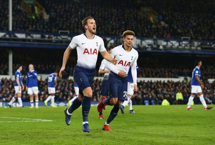 Harry Kane scored twice as Tottenham beat Olympiakos 4-2 in Jose Mourinho's first home game