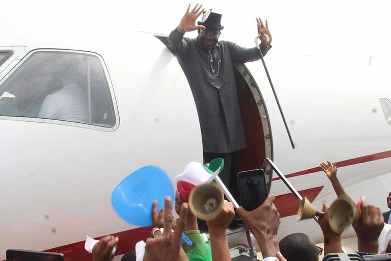 Governor Seriake Dickson acknowledge the cheers as first flight lands in Bayelsa International Airport in Ammasoma, Southern Ijaw