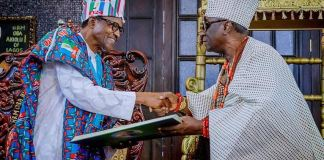 Oba Rilwan Akiolu receives President Muhammadu Buhari at his palace in Lagos