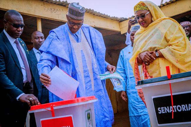 President Muhammadu Buhari casting his ballot in Daura