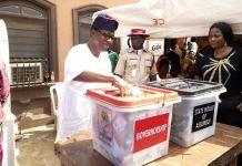 Otunba Gbenga Daniel casting his vote in Isote ward 12 in Sagamu, Ogun State