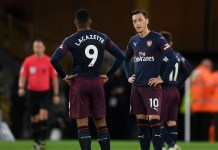 Arsenal players looking dejected