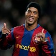 Ronaldinho thinks Man Utd isnt out yet against Barca