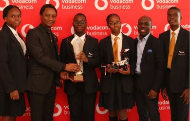 Edgewood College student, Josephine Aghedo; Managing Director, Vodacom Business Nigeria, Wale Odeyemi; Olamipo Aderigbe, Chika Nwokobia, both from Edgewood College, Commercial Director, Vodacom Business Nigeria, Solomon Ogufere and Student Edgewood College, Fiyinfoluwa Afolayan at the Vodacom Inter-School Robotics training/Competition held in Lagos