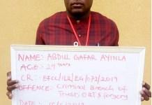Suspect Abdulgafar Ayinla in EFCC ner