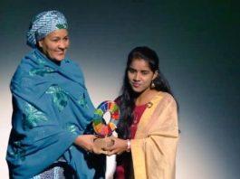 Payal Jangid, 16, receiving Gates Foundation's Change Maker award