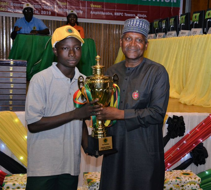 Ojo Oluwatobi from APT. Scholars Universal College, Ota won the 2019 NNPC Science Quiz competition