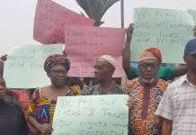 Residents Irawo-Osan Street, Omotayo Close and Idowu Layemo Street in Alapere-Ketu protest construction of fuel station