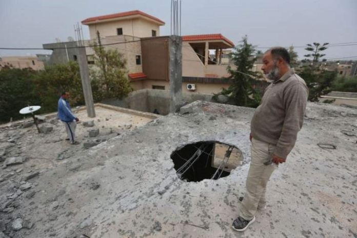 Forces loyal to Gen Khalifa Haftar have been shelling the capital Tripoli