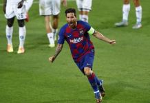 Lionel Messi scored as Barcelona beat Napoli to progress to the last eight