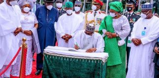 Speaker Femi Gbajabiamila with the Senate President Dr Ahmad Lawan, The Vice President Professor Yemi Osinbajo and President Muhammadu Buhari and other dignitries at the 60th independence anniversary ceremony at the eagle Square in Abuja
