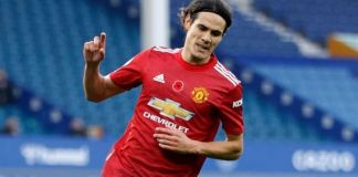 Edison Cavani scores his first Manchester United goal against Everton in the league Europa League