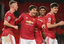 Scott McTominay scored twice in three minutes as Manchester United beat Leeds United 6-2
