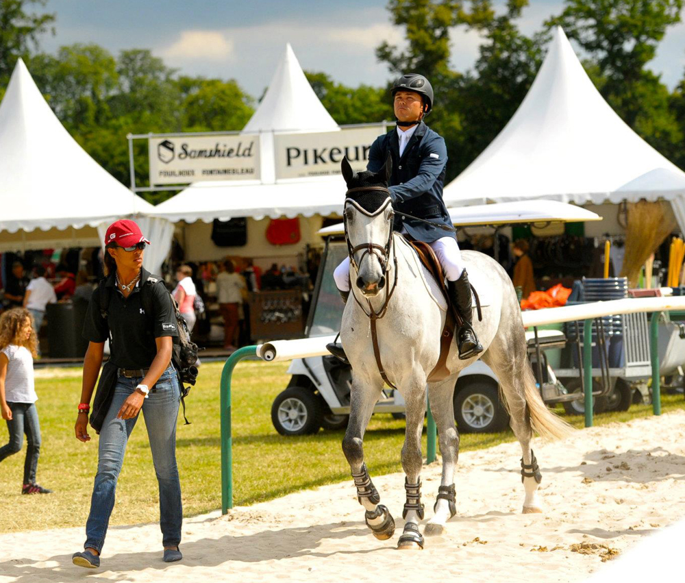 Mavis Spencer's (left) Road To Grand Prix Included Years Of Work As A  Groom Photo Courtesy Of Mavis Spencer €�