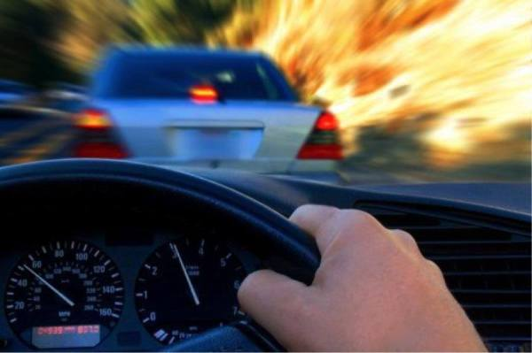 Keep Safe by Avoiding these Dangerous Driving Habits