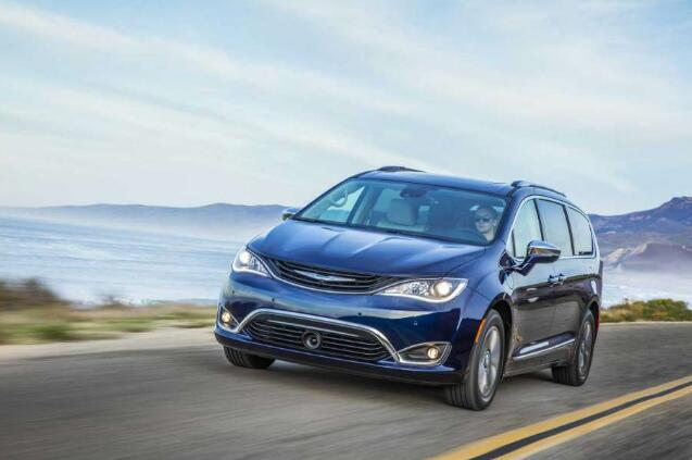 Near Perfect: 2019 Chrysler Pacifica Hybrid Limited Review