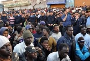 """السلطات الجزائرية تمنع مواطنيها من تقديم """"الصدقات"""" للمهاجرين الأفارقة"""