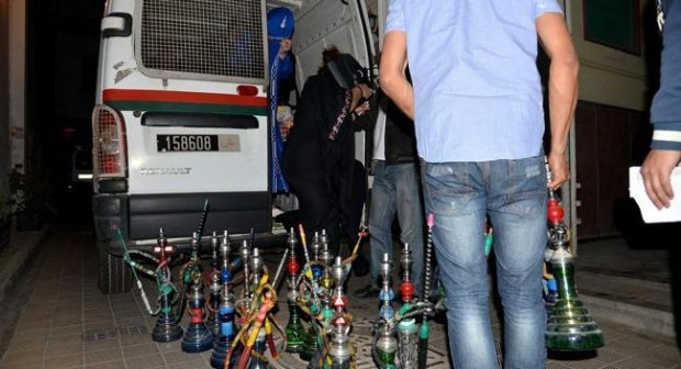 """أكادير: حجز 200 قنينة """"شيشة"""" خلال عملية مداهمة لمجموعة من مقاهي المدينة"""
