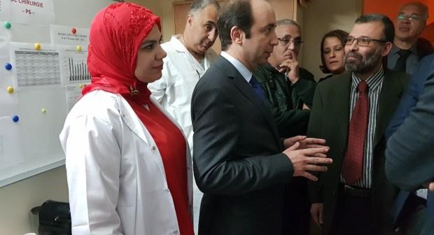 اناس الدكالي وزير الصحة في زيارة مفاجئة لمستشفى الحسن الثاني بأكادير
