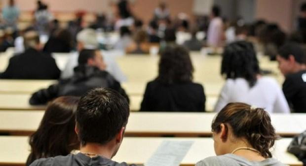 المغاربة يحتلون الصدارة في نسبة الطلبة الأجانب المتواجدين في فرنسا