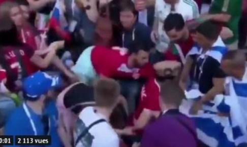 بالفيديو..الجماهير المغربية ترفض بالقوة رفع العلم الاسرائيلي في المدرجات خلال مباراة البرتغال