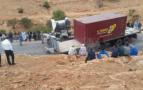 لاخصاص.. انقلاب شاحنة يقطع الطريق بمنعرجات تاسدرمت ويخلف إصابات