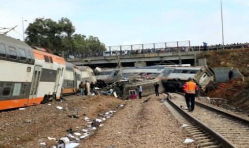 """أطباء نفسانيون يقدمون الدعم لضحايا حادث انقلاب قطار """"بوقنادل"""""""