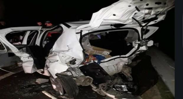 مصرع شخصين و إصابة 3 آخرين في حادثة سير خطيرة