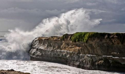 مندوبية الصيد البحري بأكادير تحدر من أمواج عالية تصل الى 5 أمتار
