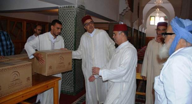 اشتوكة: جمال خلوق يشرف على توزيع المؤونة الرمضانية للقيمين الدينيين
