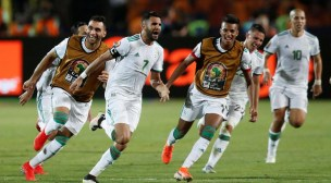 المنتخب الجزائري يتوج بكأس إفريقيا لكرة القدم للمرة الثانية في تاريخه