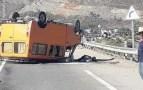إصابات في حادثة انقلاب حافلة للنقل المزدوج بهذه المدينة