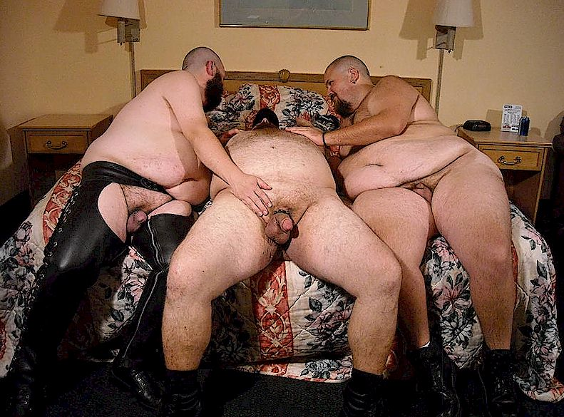 Gay Chub Group Sex  Chubby Bear Blogvideos  Photos-8481