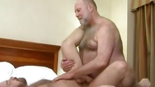 D4ddy bear fucking
