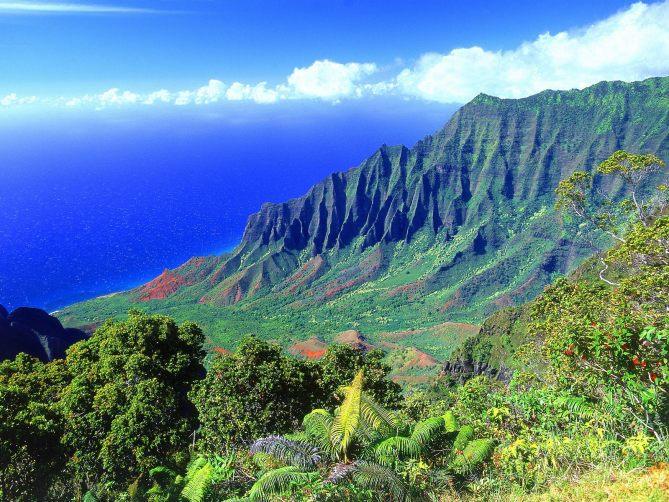 the-kalalau-valley-kauai-hawaii