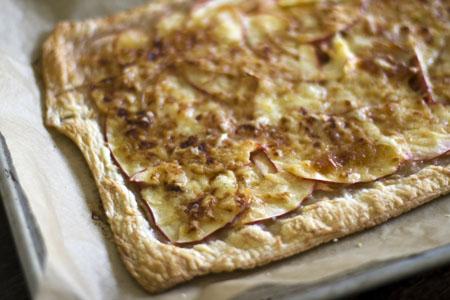 apple cheese tart