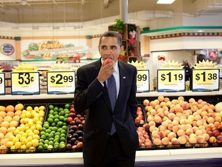 obama-eats-a-peach.jpg