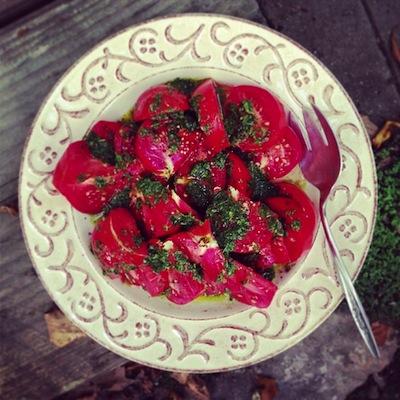 salada-tomate-basil.jpg