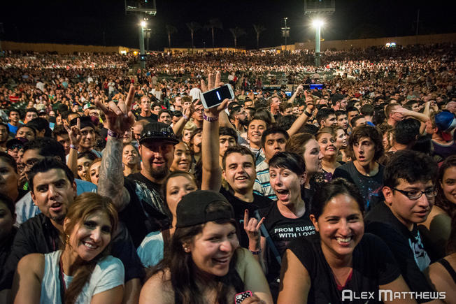 The Chula Vista Amphitheatre wild crowd