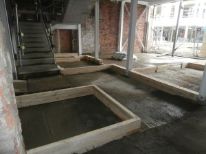A wooden box denotes the position of the lift shaft at ground floor level.