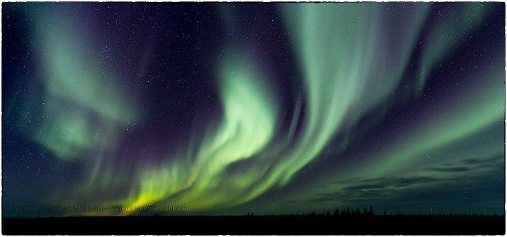 Northern lights at Nanuk Polar Bear Lodge. Charles Glatzer.