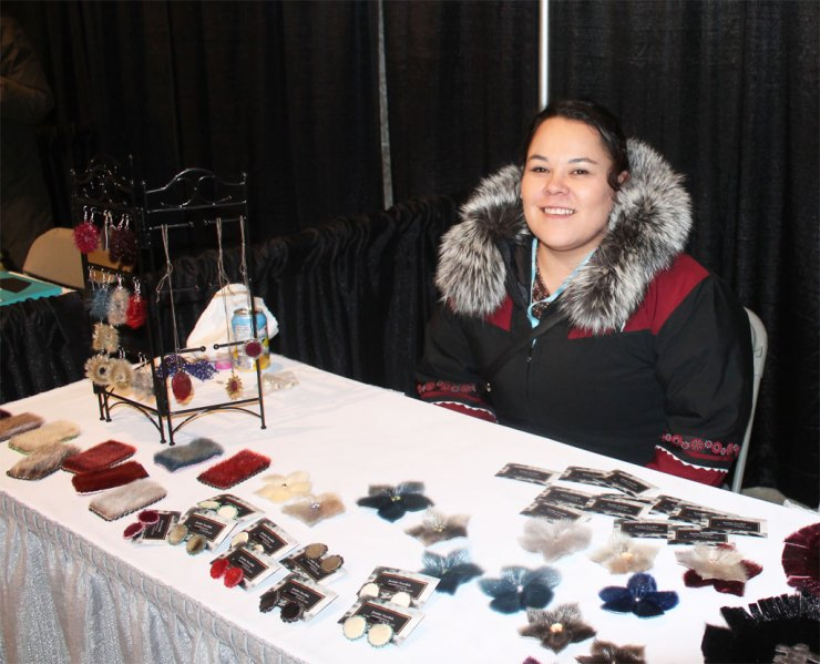Seamstress and designer Jeanine Nowdluk creates hats, mitts, earrings, clothing, jewellery, bow ties and more...