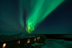 2nd Place - Lodge Int/Ext. - Christoph Jansen - Polar Bear Photo Safari