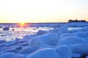 sunset-frozen-churchill-wild-seal-river-heritage-lodge-ian-johnson
