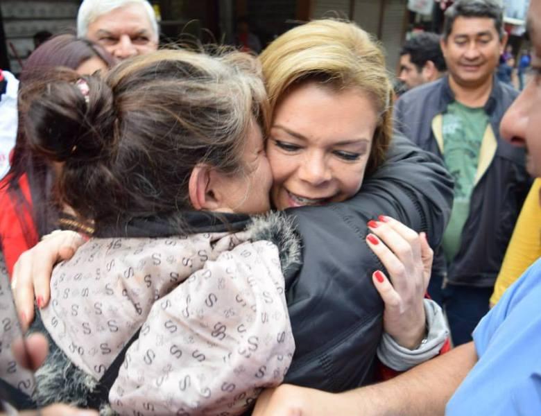 Mayoría ciudadana rechaza intervención de CDE y aprueban gestión de Sandra.