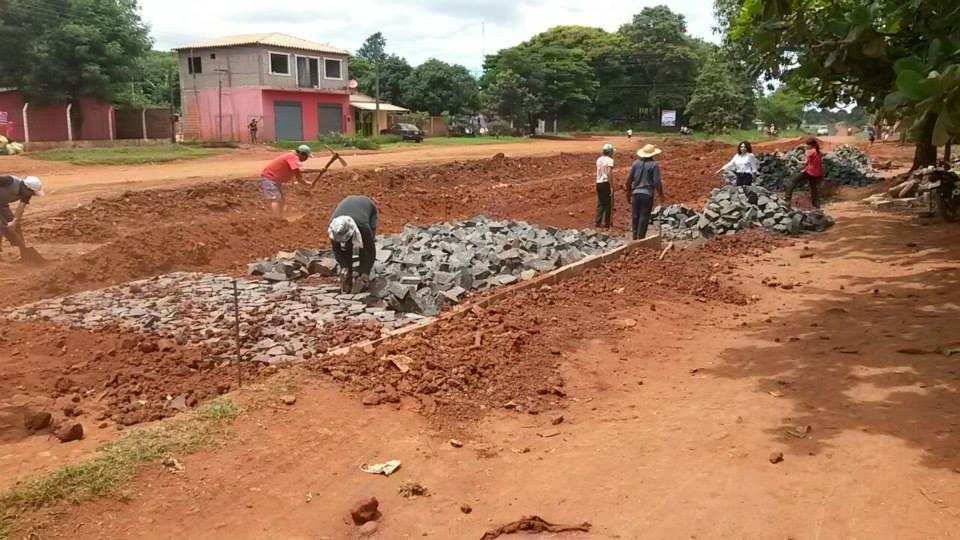 Municipalidad de CDE ejecuta múltiples obras en los barrios, iniciadas por administración Zacarías.