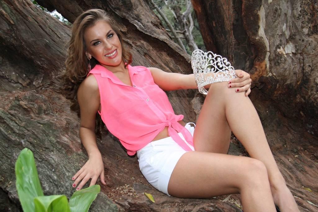 Que pelada! Miss Paraguay destituida por embarazarse durante pleno reinado!