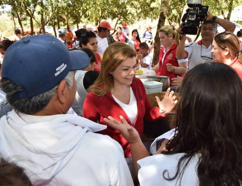 Sandra Zacarías promete construir dispensario médico en asentamiento de CDE.