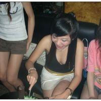 cibai girl eat lanciao cake