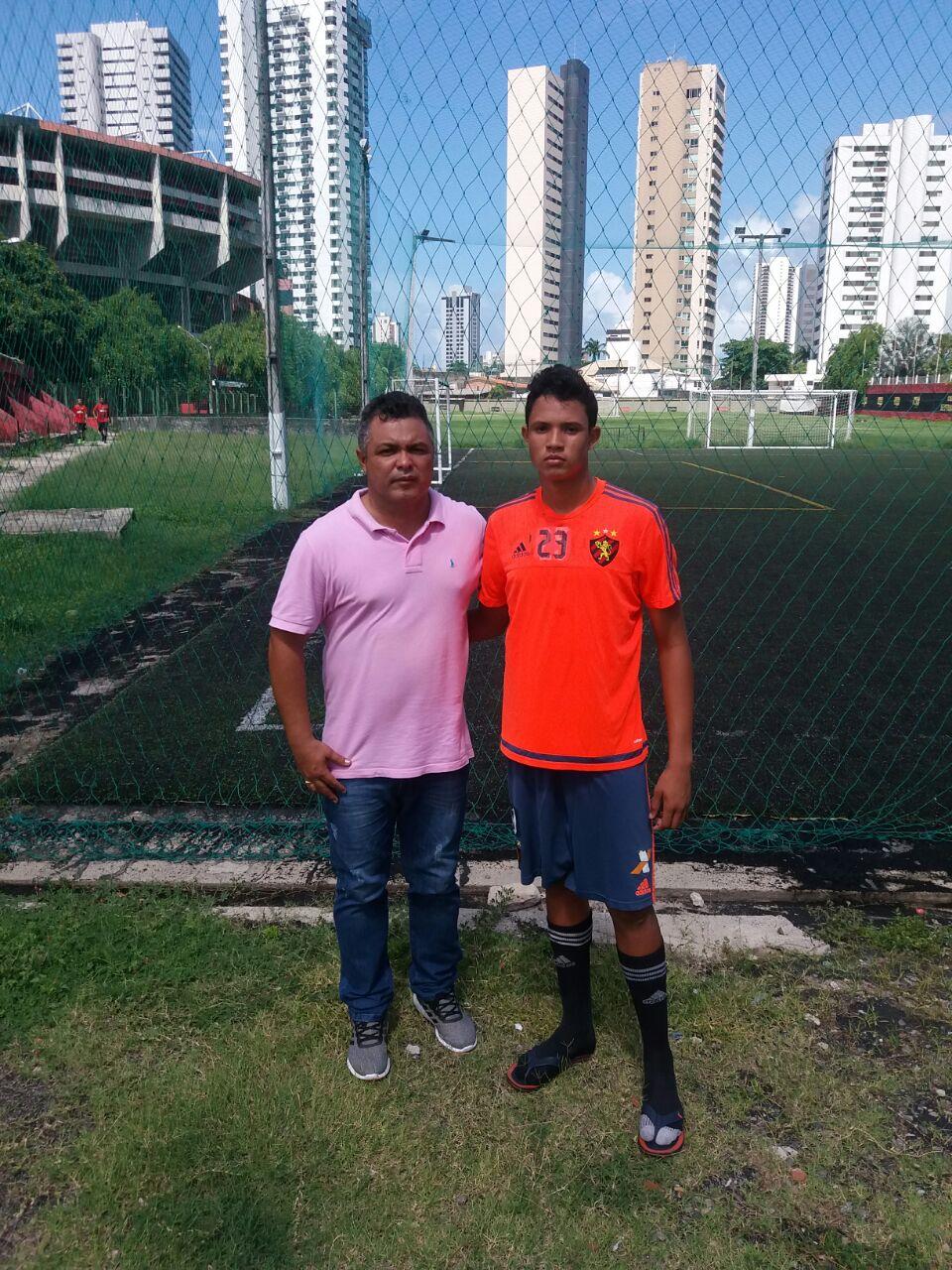 Goleiro de Codó é selecionado para a base do Sport Recife
